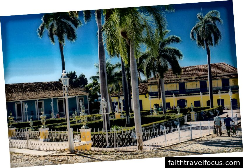 Một trong những quảng trường thị trấn ở Trinidad