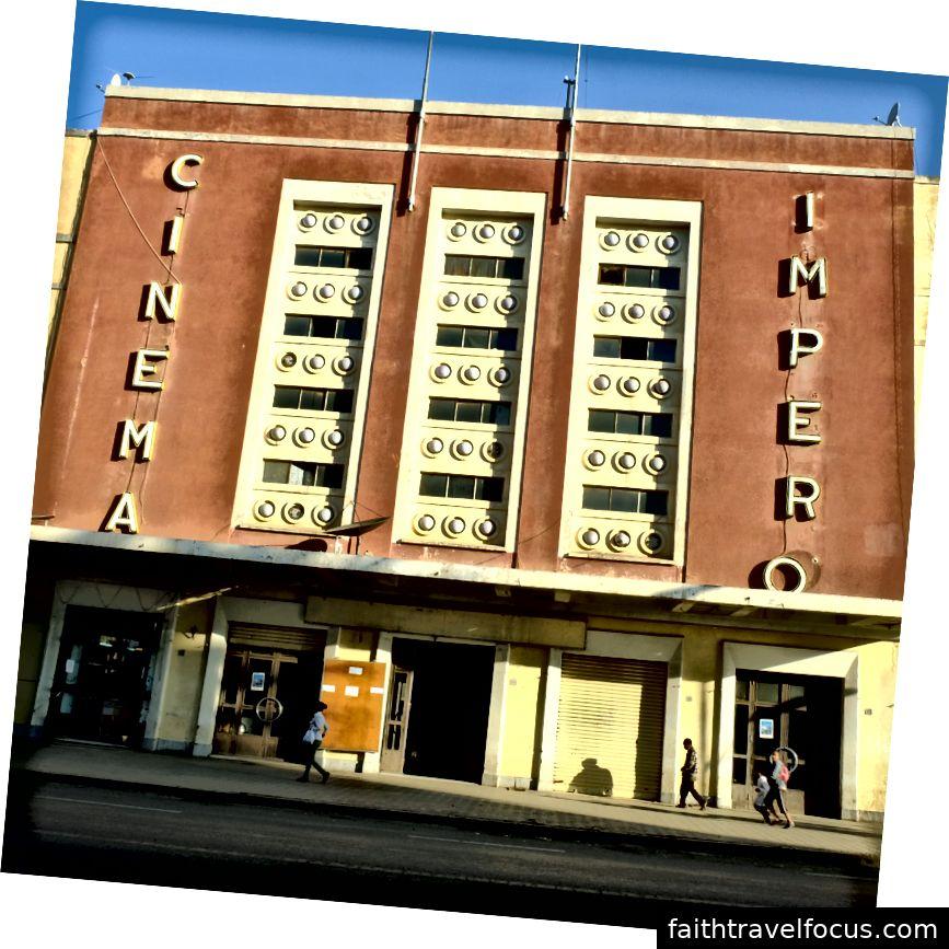 Rạp chiếu phim nổi tiếng Asmara Phụng vẫn là một rạp chiếu phim hoạt động ngày nay (Tác giả pic pic)