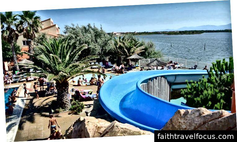 Cắm trại La Presqu quânile trên mặt trời Địa Trung Hải ướt đẫm nước Pháp, một điểm đến Eurocamp mới cho năm 2019. Bấm vào đây để tìm hiểu thêm về Cắm trại La Presquát