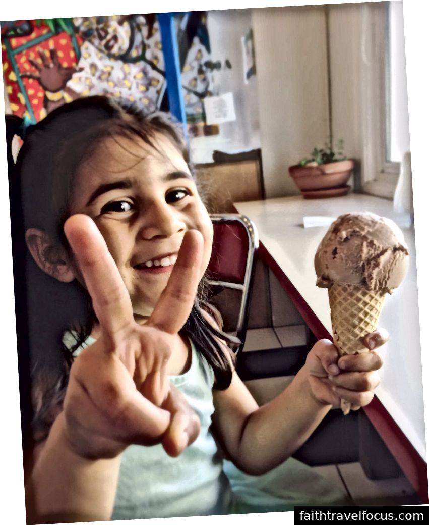 Hòa bình và kem.
