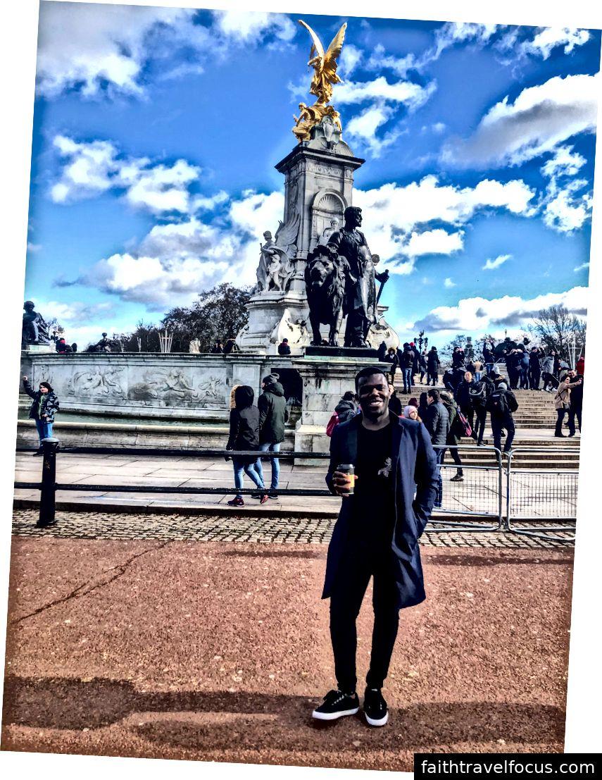 Uchi tại Cung điện Buckingham