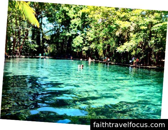 Hồ bơi tự nhiên Ojo de Agua