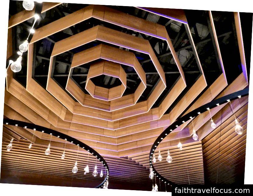 Các thiết bị âm thanh và ánh sáng cho phòng hòa nhạc nhỏ tại Tsinandali