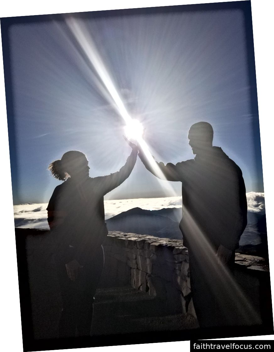 Chụp ảnh với mặt trời - máy ảnh của tôi, nhưng một hướng dẫn viên du lịch đã chụp ảnh.