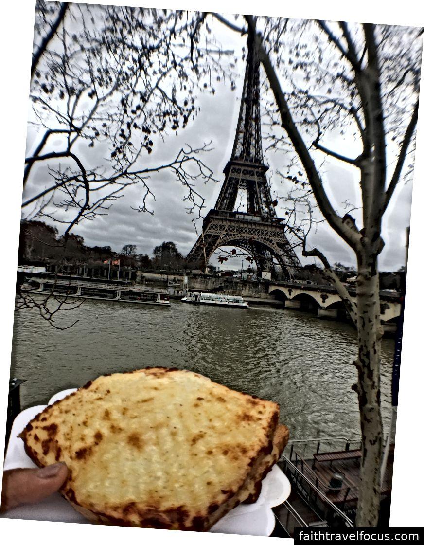 Còn lại: một số môi trường giúp một cái gì đó; Trung tâm: Khải Hoàn Môn; Phải: một monsieur croquet của Tháp Eiffel / Seine :)