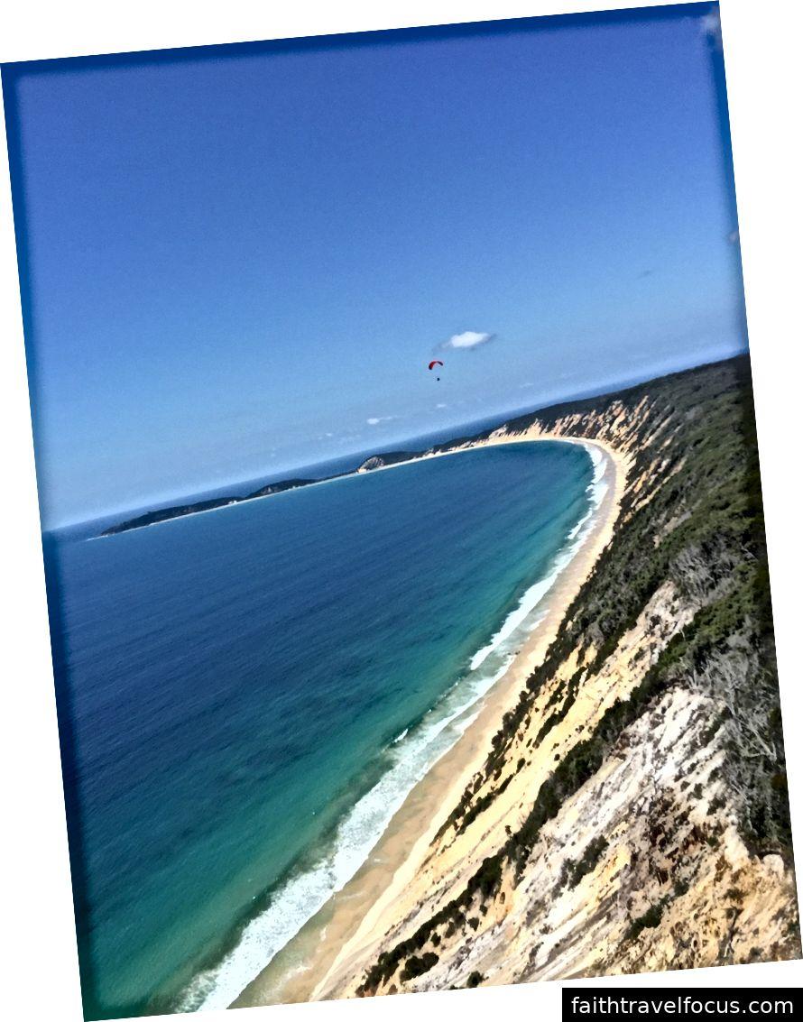 Bãi biển cầu vồng dù lượn, Queensland Úc